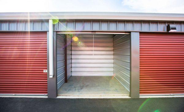 An open storage unit