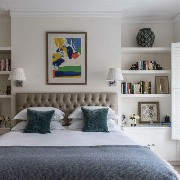 Vertical bedroom shelf
